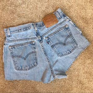 [Levis] Vintage High Waisted Denim Shorts 💙